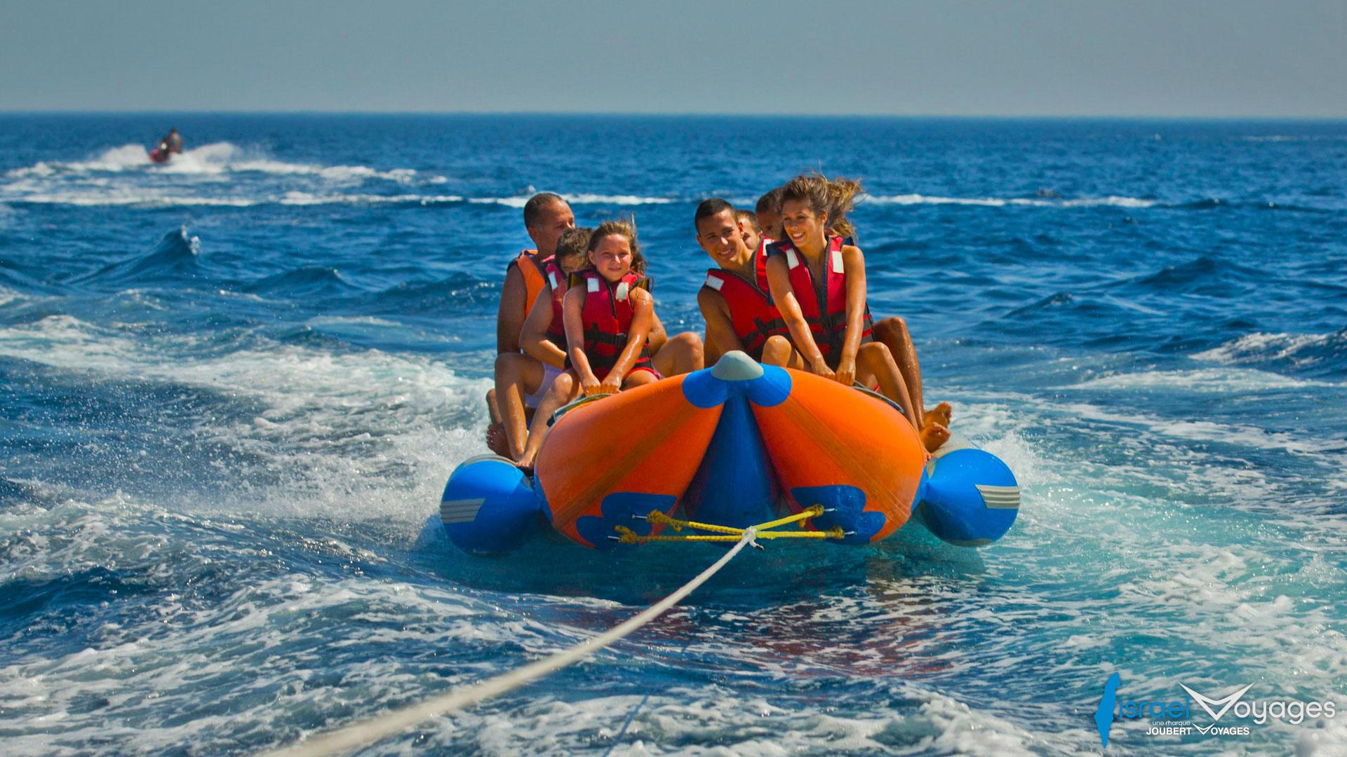 Activité en bouée sur la mer Rouge à Eilat