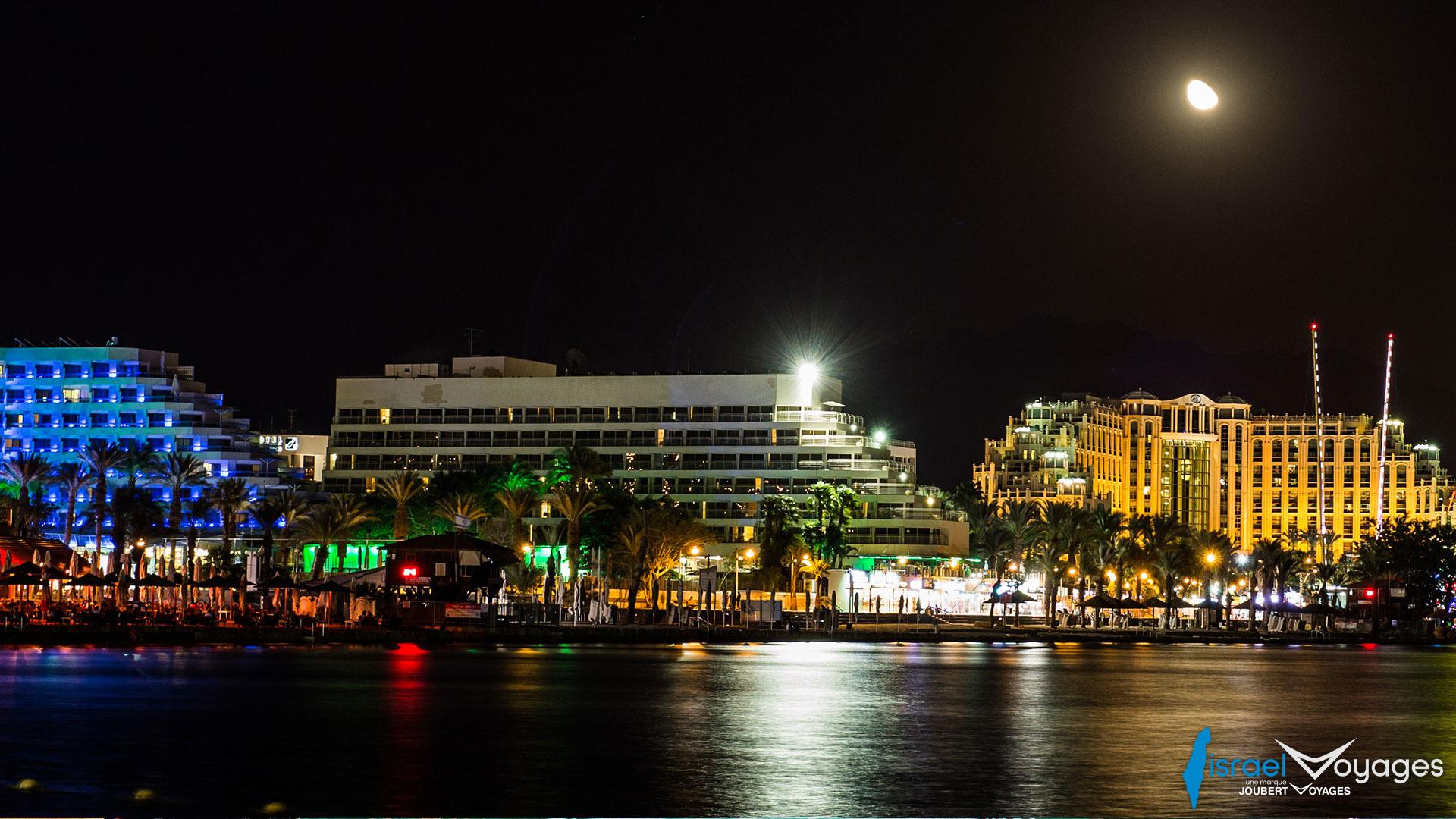 Front de mer d'Eilat, de nuit