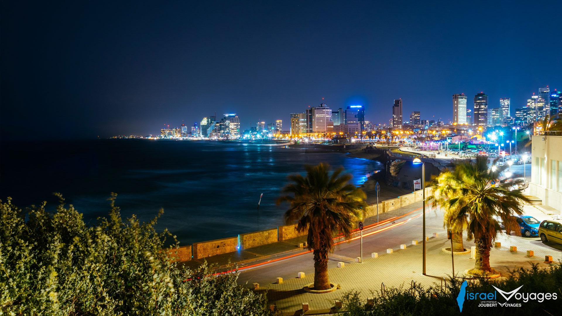 Baie de Tel Aviv, nuit lumineuse